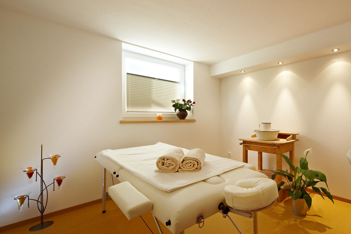 Massageraum ausstattung  Wellness offers in the Alpenhof apartments in Mittersill